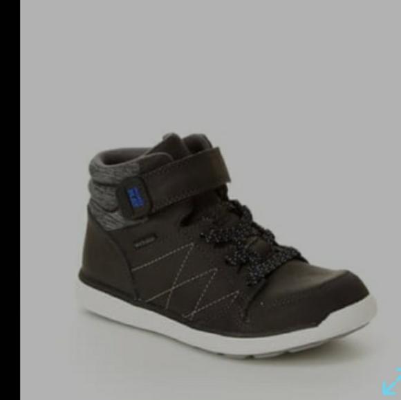 Stride Rite Toddler Boy M2P Saul High Top Sneaker